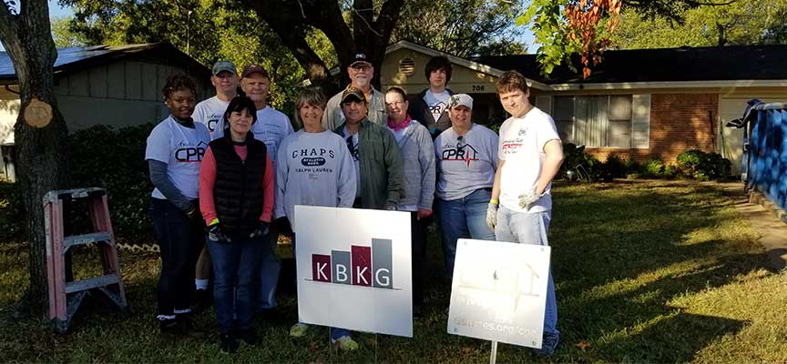 Texas Office Volunteers for 6 Stones
